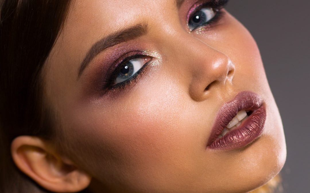 4 Stunning Eye Color and Makeup Looks